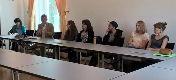 Dr. Uwe Hartmann (2nd from left) and students from the Otto von Guericke University Magdeburg